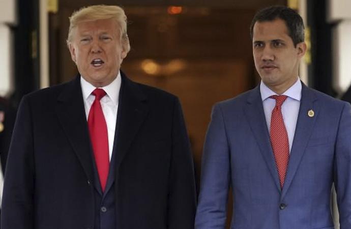 Guaido Beyaz Saray'da