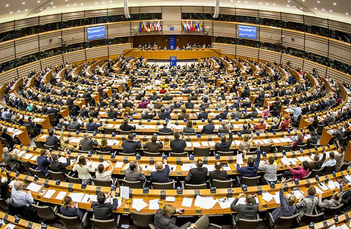 PKK'lıları ağırlayan Avrupa Parlamentosu'na tepki