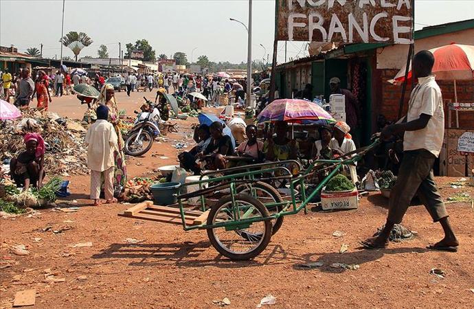 Afrika'da Fransa kâbusu: Yeni Sömürgecilik
