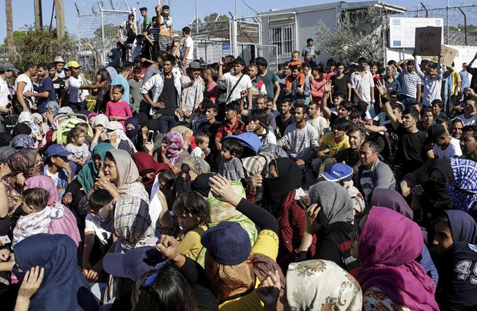 Reuters: Almanya, adalardan, yaşı küçük göçmenleri alacak