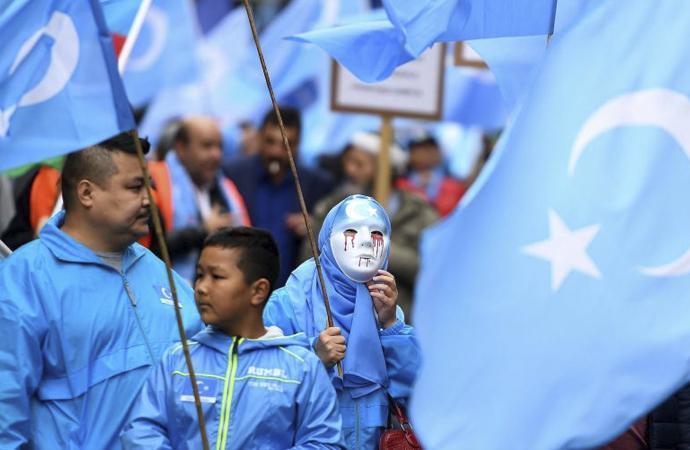 Uygur Türkleri Çinlilerce izlendiklerinden endişeli