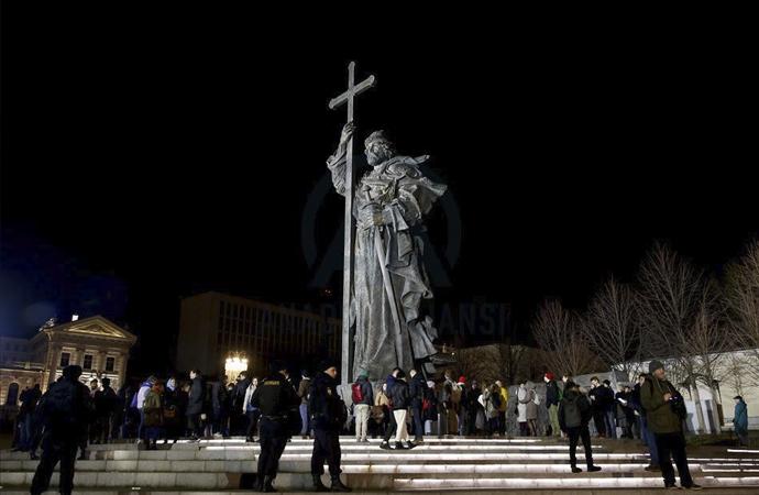 Putin'in yaptığı düzenlemeye zayıf protesto
