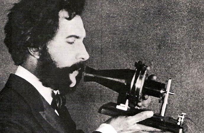İlk telefon görüşmesi 1876 yılında yapılmıştı