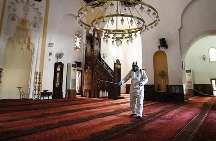 Diyanet'ten müftülüklere yazı: Cuma günü ve kandil gecesi camiler kapalı tutulacak
