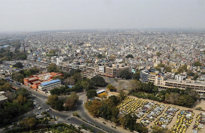 10 kişinin öldüğü Hindistan 21 gün dışarı çıkma yasağı ilan etti