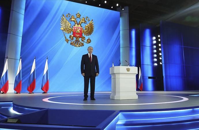 Avrasyacı ekolün Rusya'da yeni zaferi