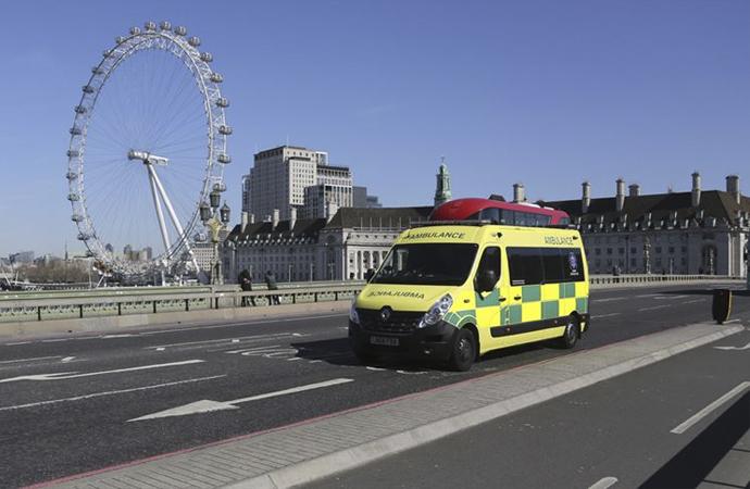 İngiltere'de ölüm rakamları hızla artıyor