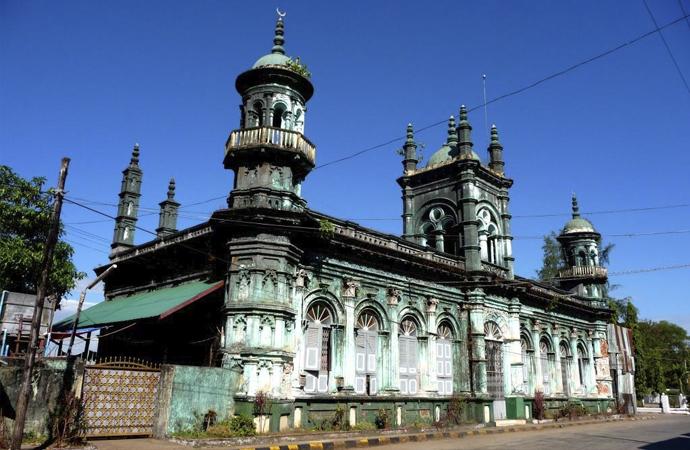 Myanmar İslami İşler Konseyi: Camiler Kovid-19'la mücadelede kullanılabilir