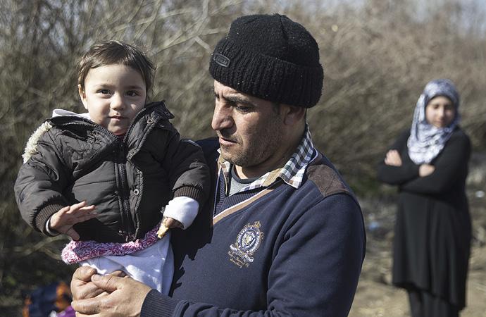 Yunanistan sınırında bekleyiş devam ediyor