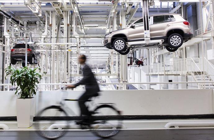 Alman otomotivine ağır darbe