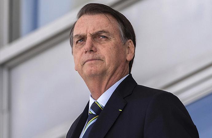 Twitter, Bolsonaro'nun paylaşımlarını sildi