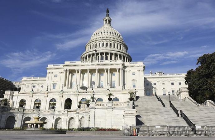 Amerikalı iki senatör salgından haksız kazanç sağladı