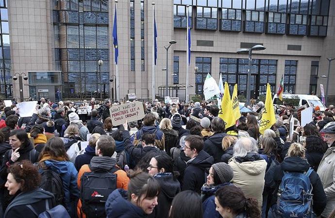 Avrupa'da Avrupa Birliği'ne protesto