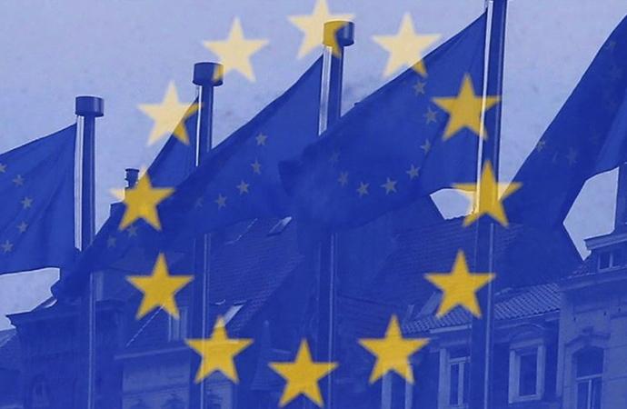 Avrupa Birliği 540 milyar avroluk kurtarma paketinde anlaştı