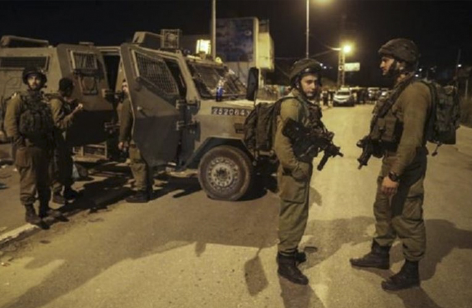İşgal güçleri Kudüs mahallelerine baskınlar düzenliyor
