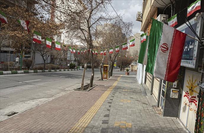İran'da bazı işletmeler ve devlet kurumları faaliyetlerine tekrar başladı