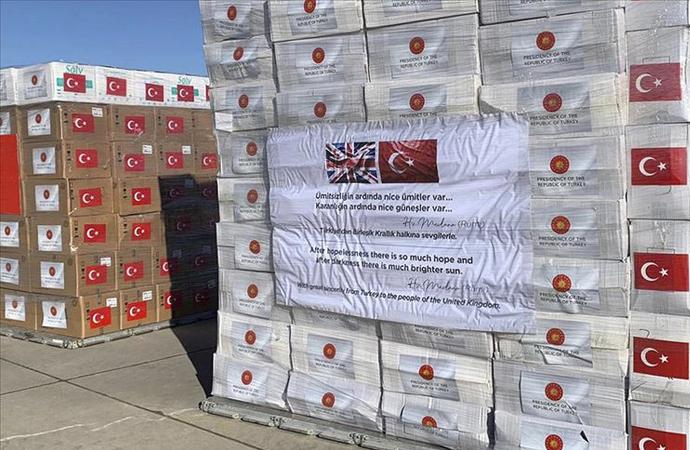 İngiltere'ye ikinci grup sağlık malzemesi gönderildi