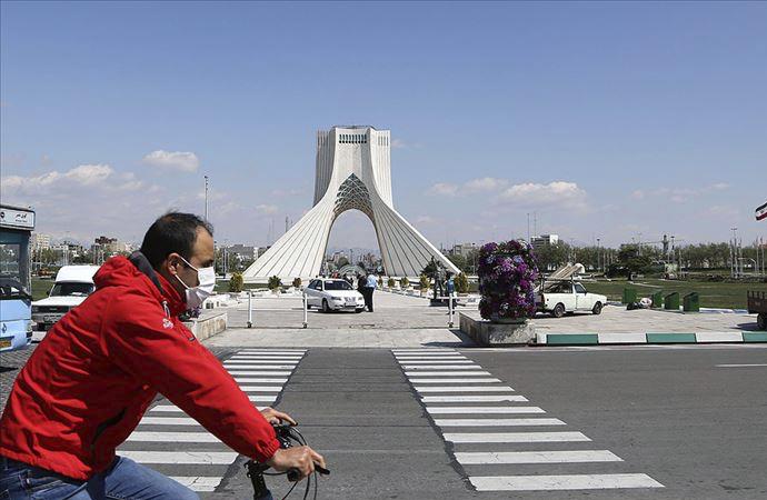 """Tahran'da """"Toplu taşıma yerine bisiklet kullanın"""" tavsiyesi"""