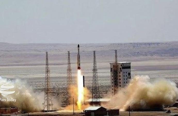 İran'ın ilk askeri uydusu uzaya fırlatıldı