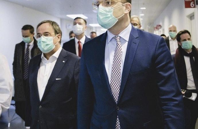 Almanya'da tüm eyaletlerde maske takma zorunlu hale getirildi