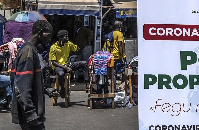 Korona aşısı Afrika'da denensin diyen doktorlara tepki