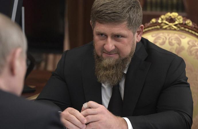 Kadirov'un virüs çıkışı Putin'le ilişkileri geriyor