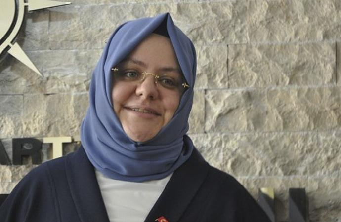 Bakan Zehra Zümrüt Selçuk'tan çocuklara 'sürpriz'