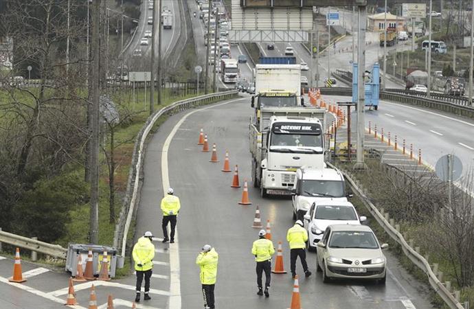 İstanbul'a araç giriş çıkış yasağı başladı