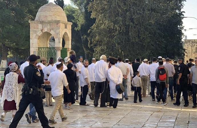İbadete kapatıldı ama Yahudilerin baskınları devam etti