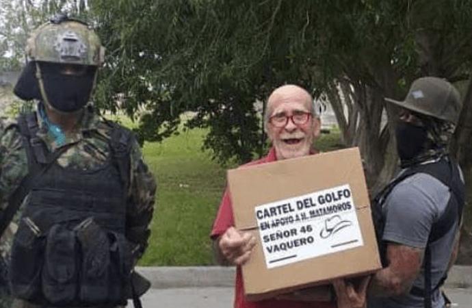 Meksika'da karteller halka yardıma başladı