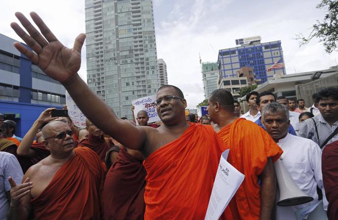 Budist şiddetine neden olan Facebook, iki yıl sonra özür diledi