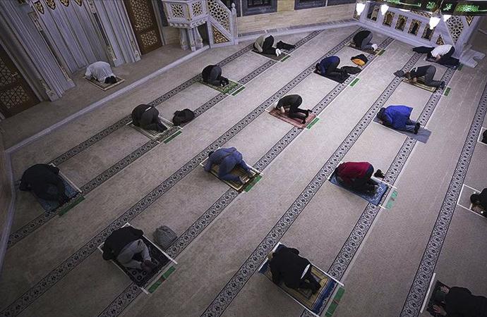 Almanya'da camiler 20 Mayıs'ta tamamen açılacak