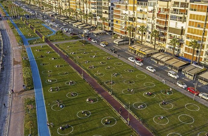 İzmir'de yeşil alanlara çemberler çizildi