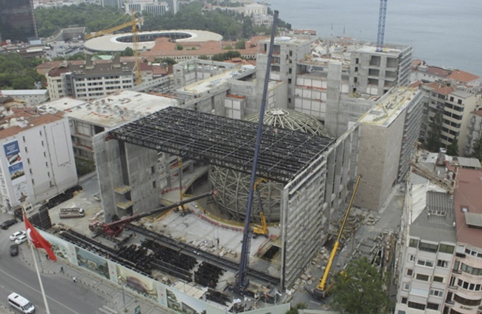 Atatürk Kültür Merkezi inşaatı tüm hızıyla ilerliyor