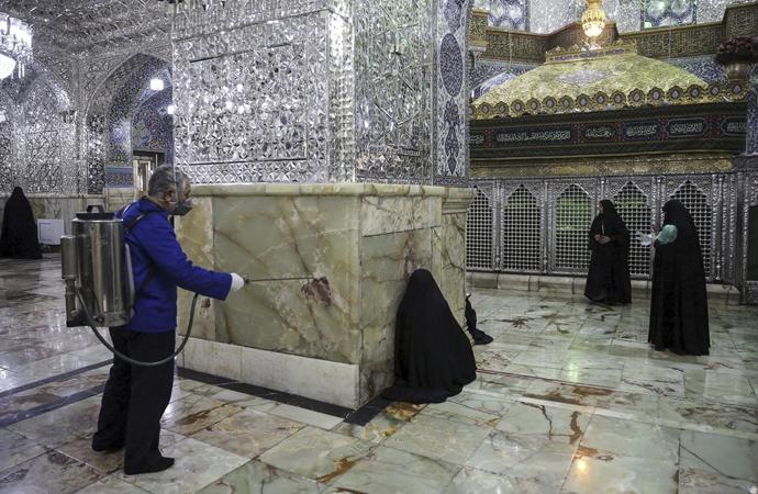 İran'da 'türbe ve kutsal mekanlar' yarın açılacak