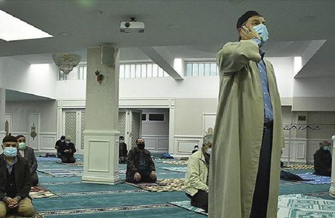 Camilerde 'tekbir getirme' uyarısı