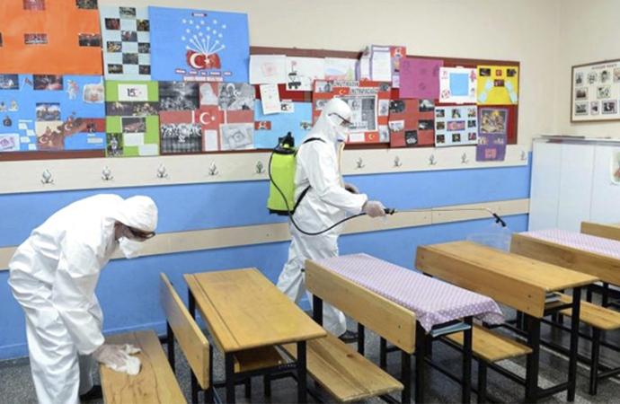Okulların 1 Haziran'da kademeli açılması gündemde