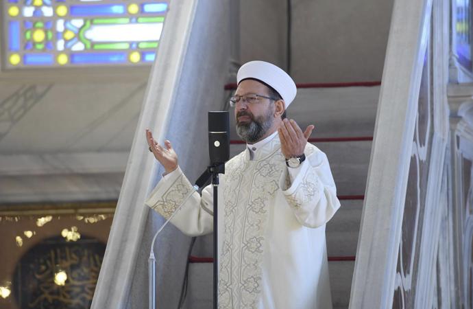 Erbaş: 'Şükürler olsun camilerimize yeniden kavuştuk'