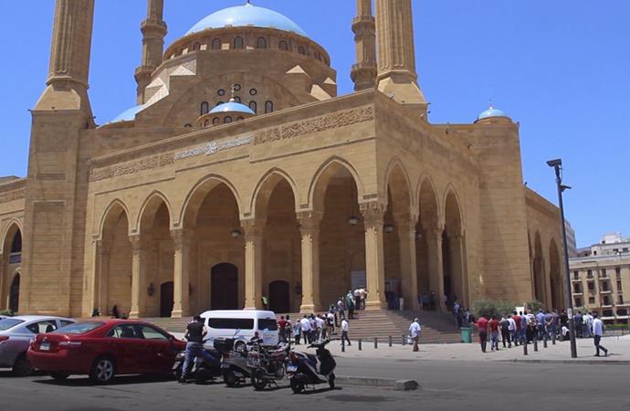 Lübnan'da 15 Mart'ta kapatılan camiler de bugün açıldı