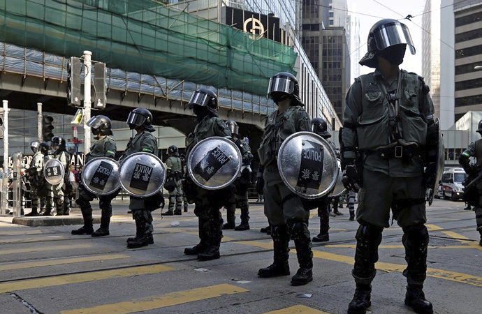 Çin: Hong Kong'daki vandallar diz çökecek