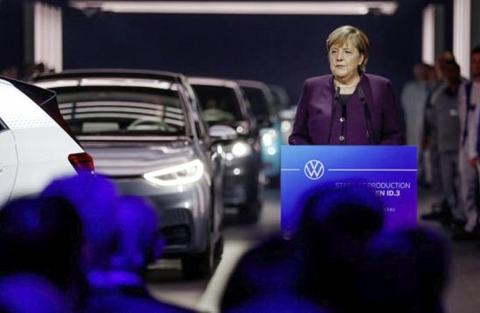 Almanya'dan Çin'e 2 milyar avroluk Volkswagen yatırımı