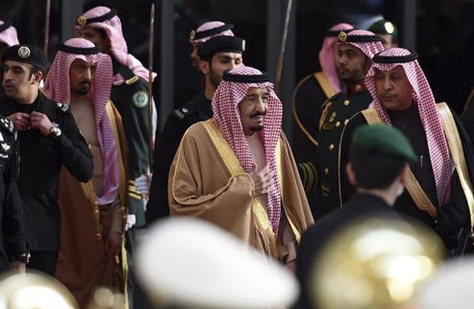 Suudi Arabistan KDV'yi üç katına çıkardı