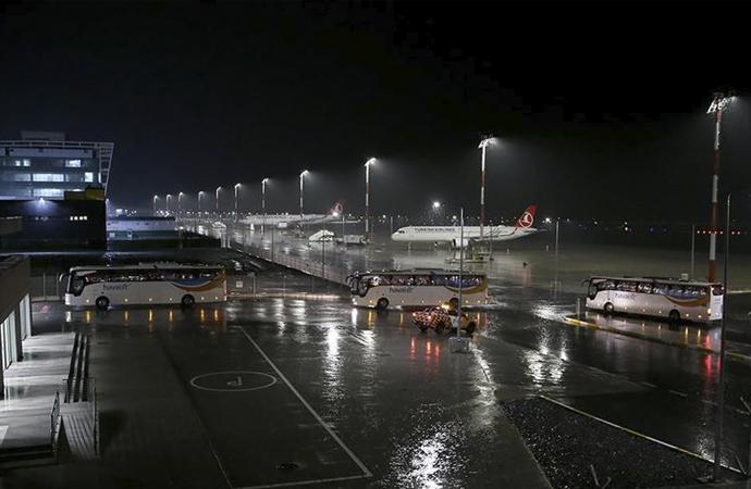 6 ülkenin taşımayı reddettiği Arjantin'deki 9 Ukraynalıyı Türkiye getirdi