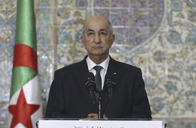 Fransa'ya tarihi suçlama: 'Cezayir halkının yarısını öldürdünüz'