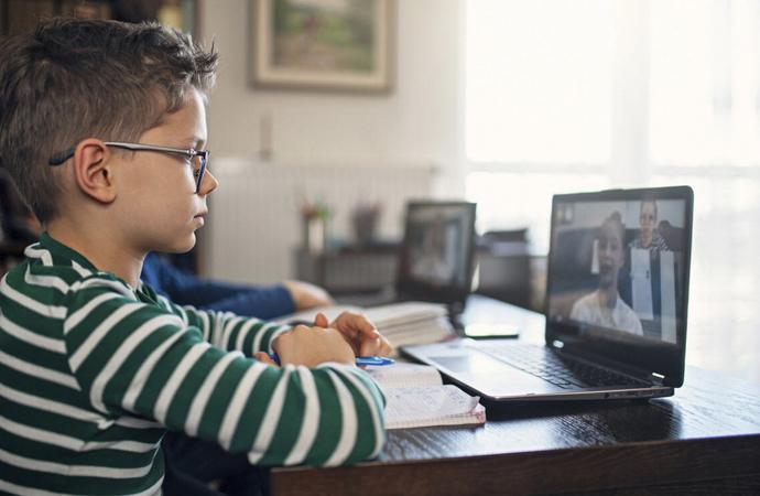 Karantina döneminde çocukların internet kullanımı yüzde 250 arttı