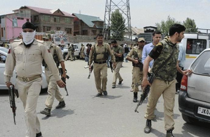 Cammu Keşmir'de protesto ve çatışmalar 3'ncü gününde