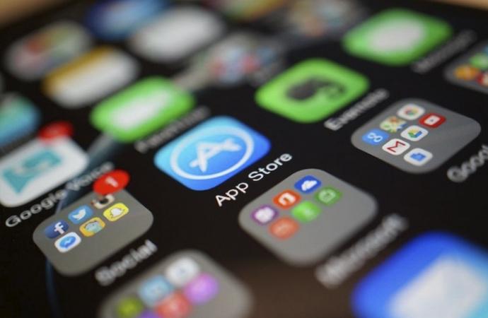 """Sosyal medya, evlerden """"canlı yayın"""" aracı haline geldi"""