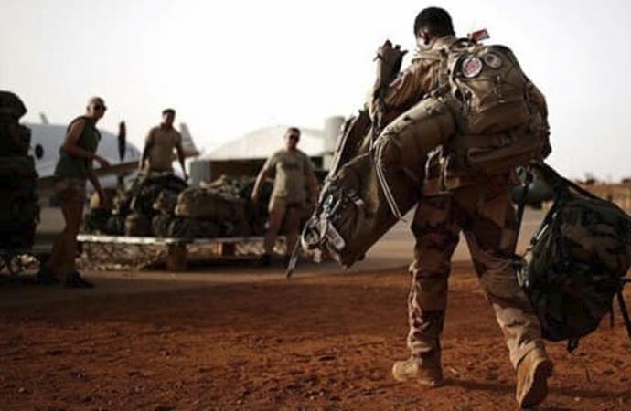 Fransa Savunma Bakanı, Mağrip El Kaidesi'nin liderinin öldürüldüğünü açıkladı