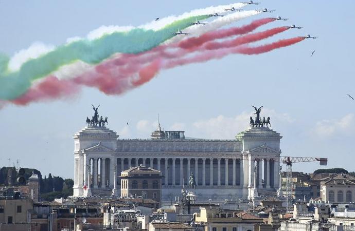 İtalya ayağa kalkmak için Avrupa'dan medet umuyor