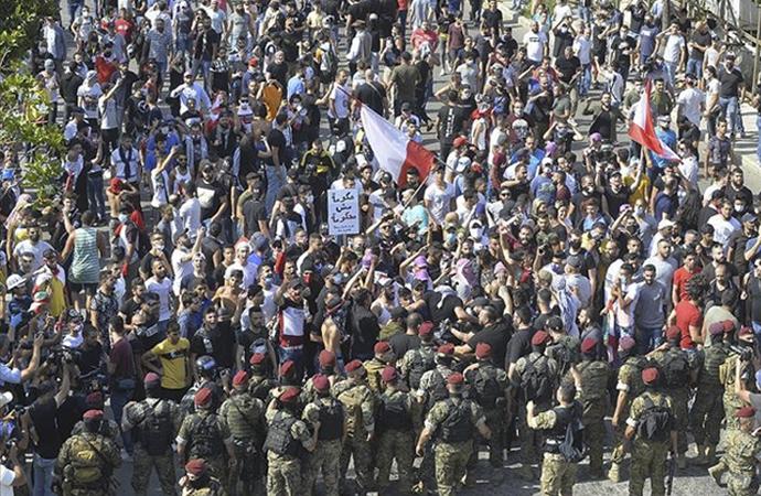 Lübnan'da protestocular yeniden meydanlarda